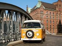 VW T2 Bulli in der Speicherstadt in Hamburg
