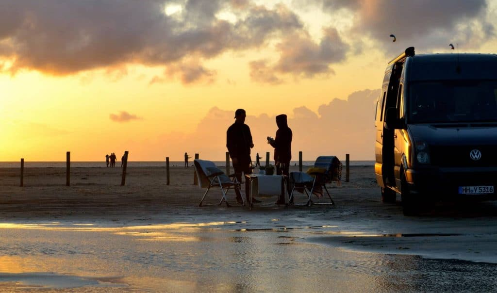 VW Crafter Individualausbau Bullifaktur Strand Sonnenuntergang